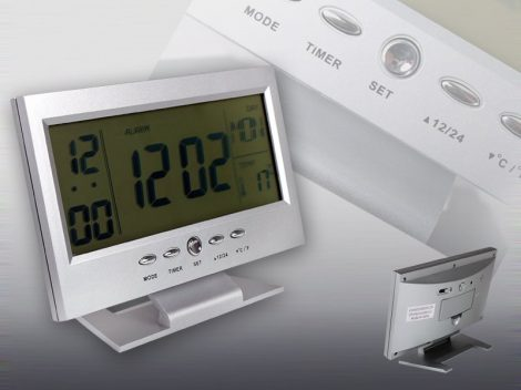 Hangvezérléses LCD kijelzős digitális óra